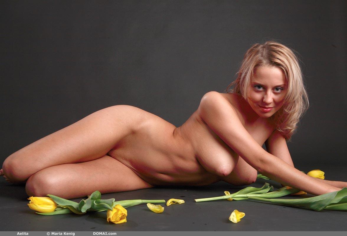 Domai News, Artistic Photos And Nude Art Pics, Nude Woman -9589